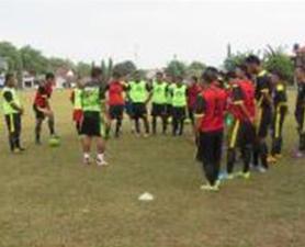 PS-Barito-Putera-FC-Baju-Bola-Jersey-Jadwal-Merchandise-2018-10-15 (2)